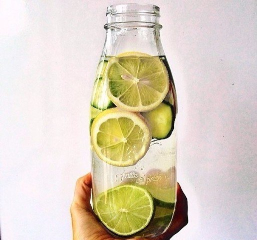 Зачем пить утром воду с лимоном